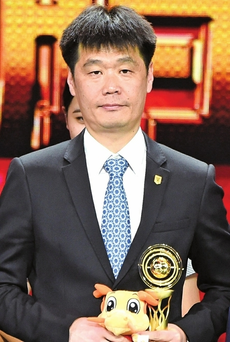 李小鹏荣膺中超最佳教练