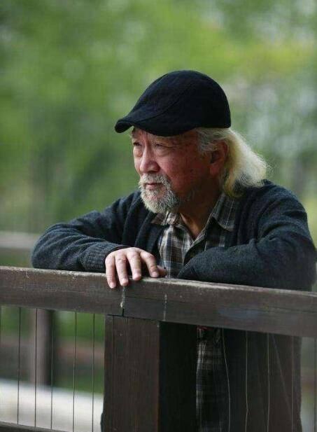 """73岁李保田近照让人认不出,""""刘罗锅""""眉毛胡子全白了"""