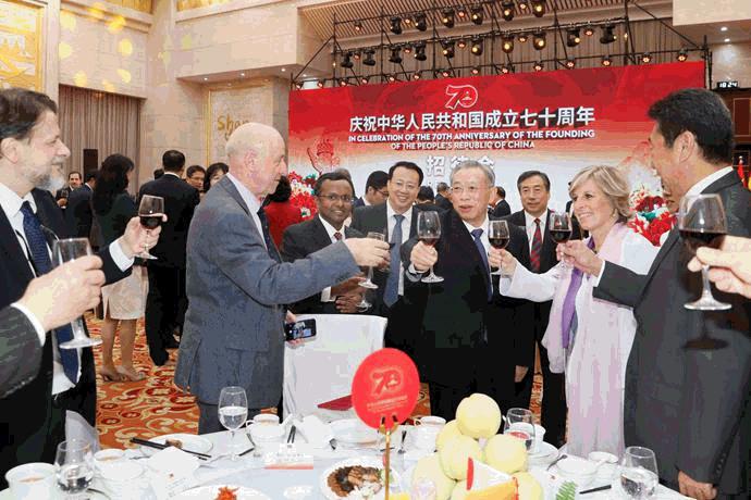山东省人民政府举行国庆招待会 省领导与中外人士共庆佳节