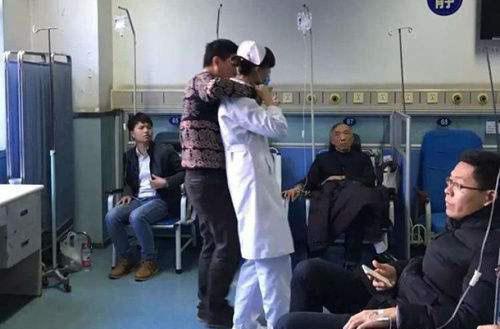 19岁女护士被患者劫持 警方现场抓获嫌疑人解救人质