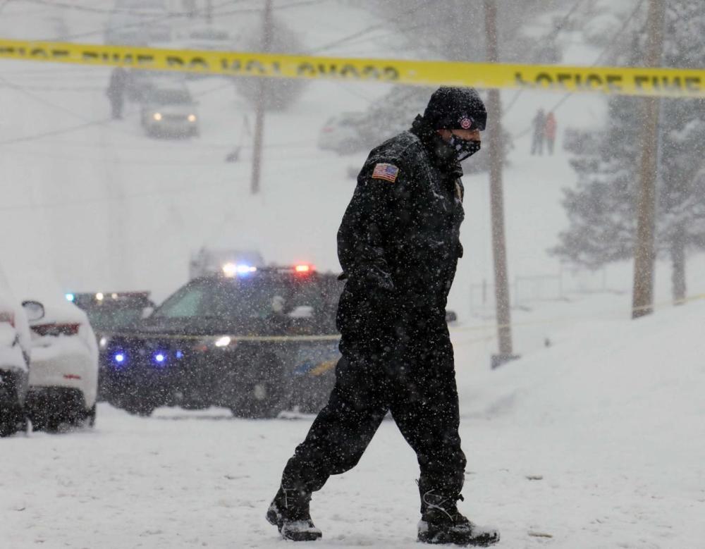 冲动是魔鬼!美国一男子因铲雪冲突,枪杀邻居后自杀