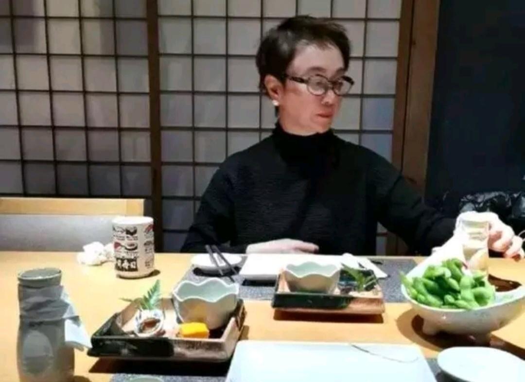 55岁傅艺伟远照曝光 最美妲己气质仿照依然优俗