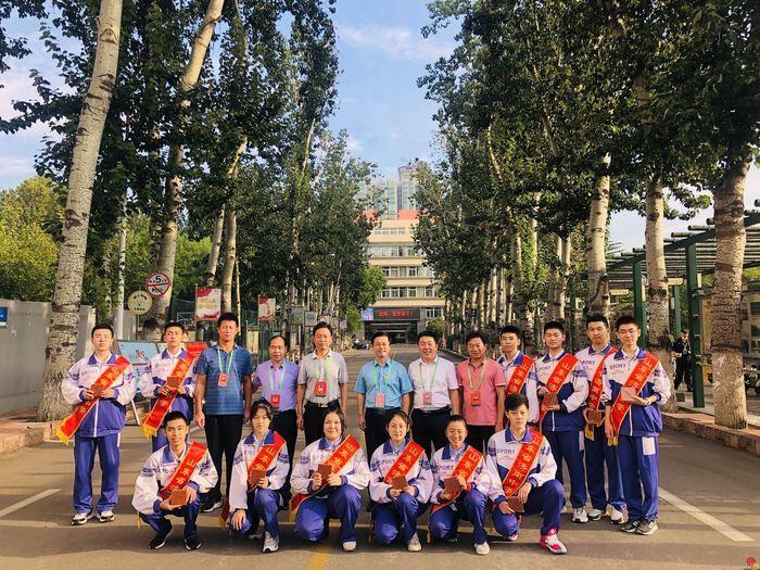 济南中学阳光学子用祝福献礼教师节