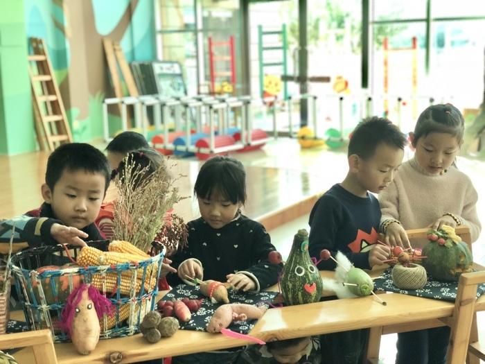 莱芜实验幼儿园带领孩子们探索秋天