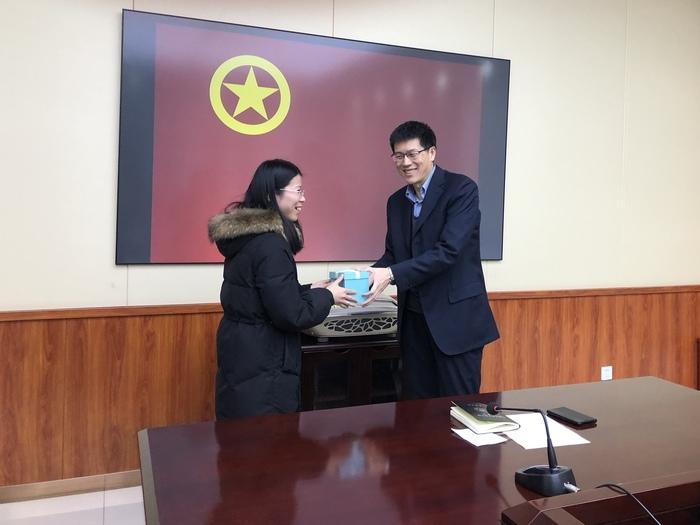 济南三中教工团支部举行团员评议大会及超龄团员退团仪式