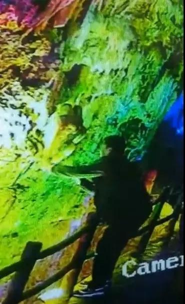 敲断景区500万年历史的钟乳石带走,这3人被拍下了!