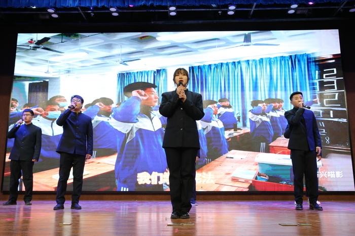 """济南市技师学院举行""""战疫情 强国志 逐梦新征程""""2021年元旦师生联欢会"""