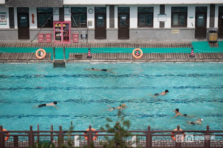 济南黑虎泉泉水浴场恢复开放 须实名预约入场