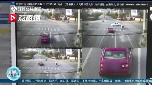 女子71条交通违法记录累计237分 还是无证驾驶