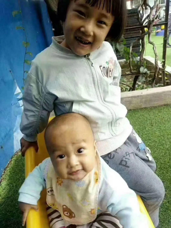 更多细节曝光!警方回应丽江3岁男孩被抱走 抱走丽江男孩女子短发穿紫红上衣