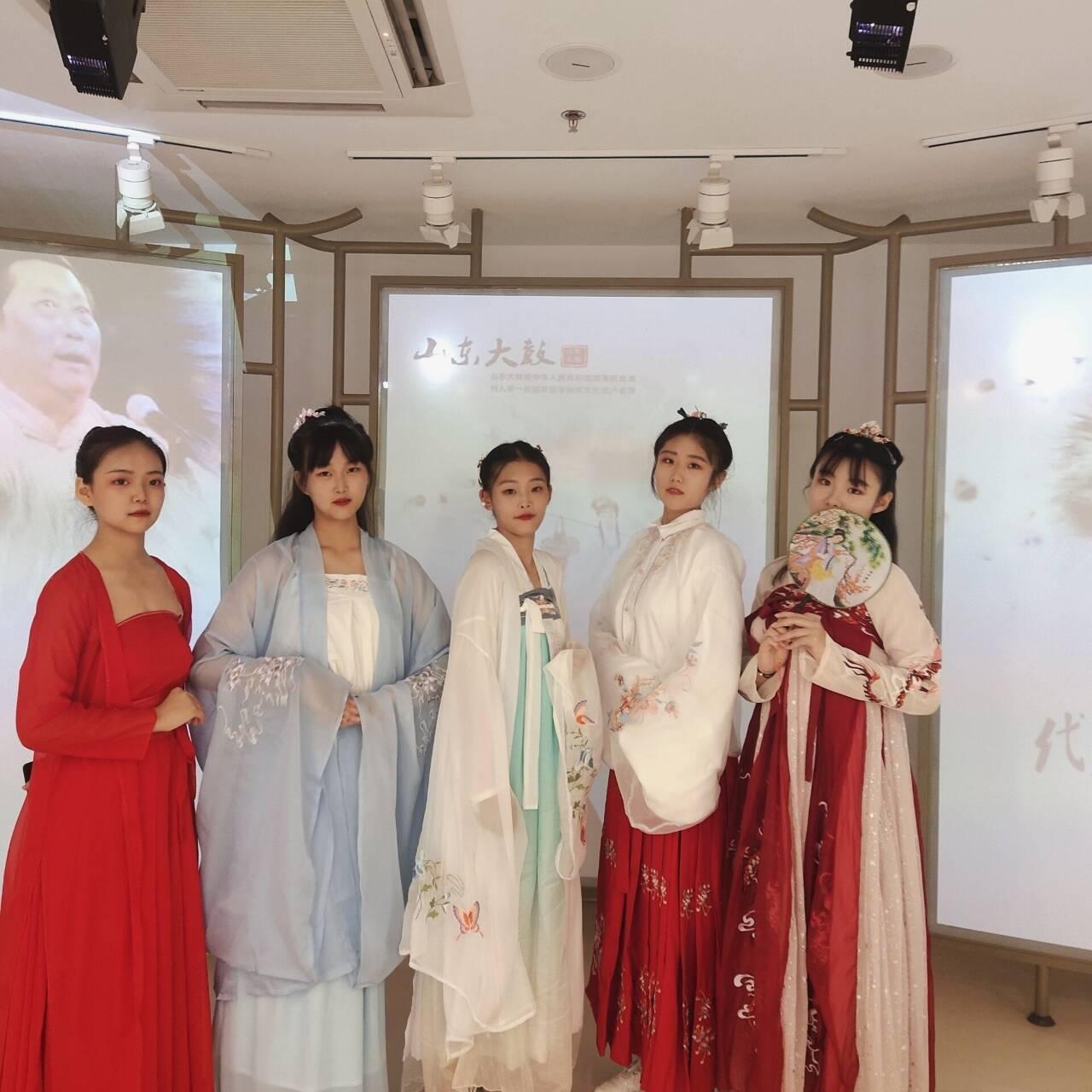 历城职专学前专业学生受邀参加百花剧场展演活动