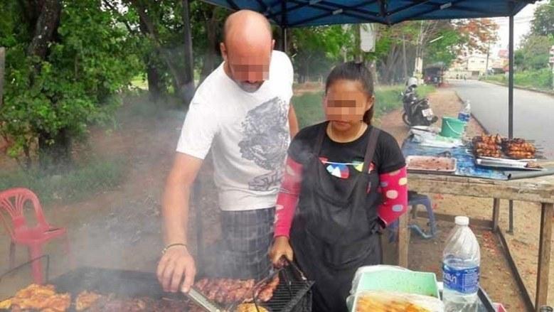 """德国通缉犯逃到泰国卖烤鸡 成""""网红""""后被警察发现"""