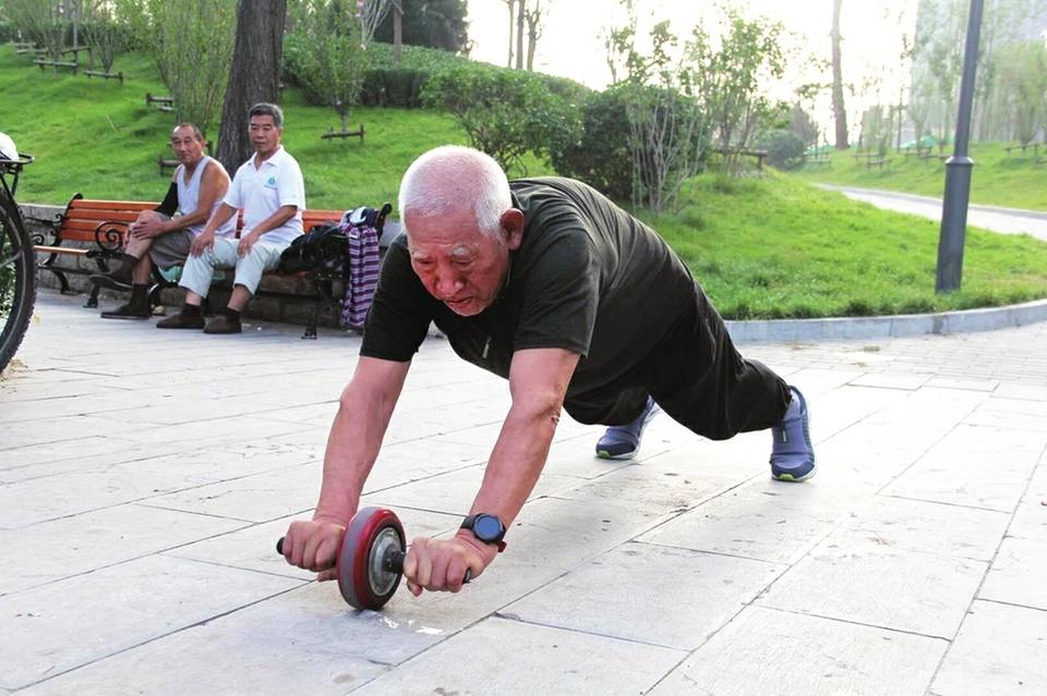 平凡生活中,他们用运动诠释全民健身精神——成功的意义,就是超越自己