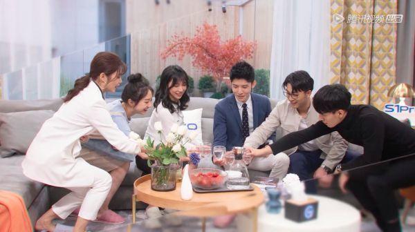 """《心动的信号2》昨晚开播 郑恺杨超越成""""互怼CP"""""""
