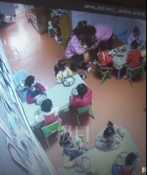 【后续】甘肃兰州一幼童吃饭时被呛致死,涉事教师已暂停工作