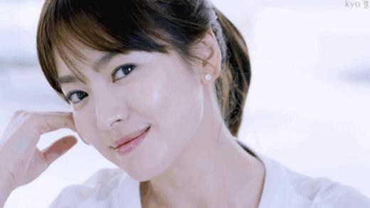 不敢认!远离韩国滤镜的宋慧乔近照长这样!网友:她真的老了