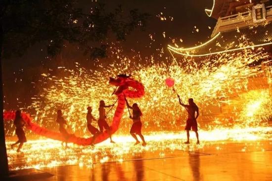 【网络中国节・春节】 民俗演出、逛庙会、赏花灯…… 济南春节出行全攻略!