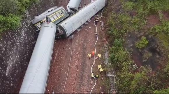 T179次列车在湖南郴州脱线 应急管理部紧急派出工作组