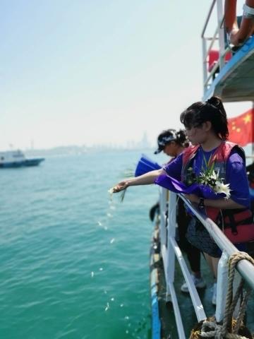 濟南市第六屆海葬公祭儀式在青島舉行 海葬骨灰81具