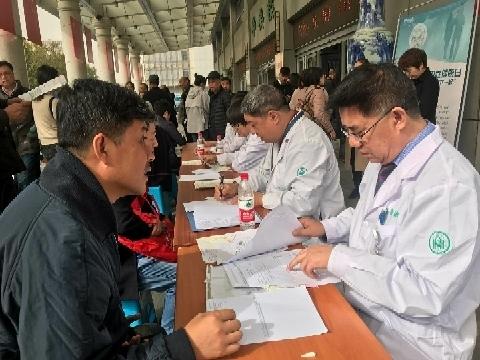 健康中国我行动山大齐鲁医院开展男性健康日义诊活动