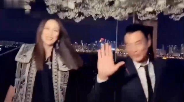 康复了?任达华和老婆合体跳舞,手部动作灵活