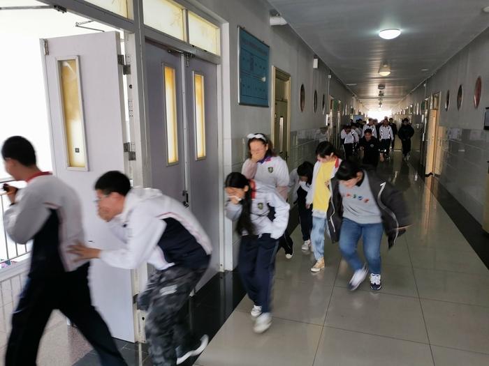 济南艺术学校开展消防应急疏散演练