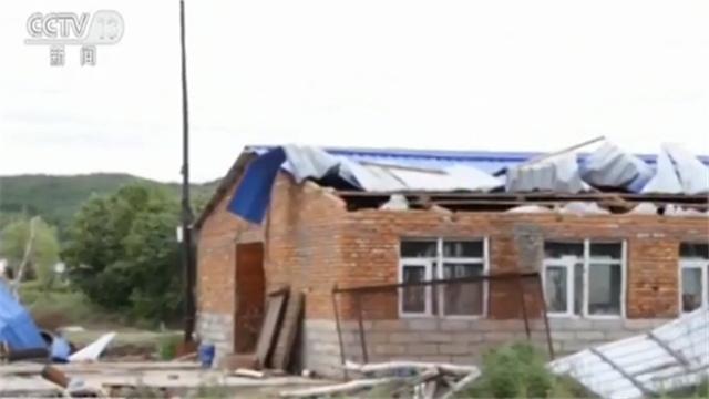 龙卷风和冰雹袭击黑龙江两个村庄 房屋和农田受损 无人员伤亡