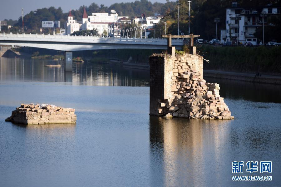 """今天,这座""""泡了汤""""的480岁老桥开修了"""