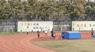 初中女生跑出国家一级运动员水平 网友喊话:快来挖人!