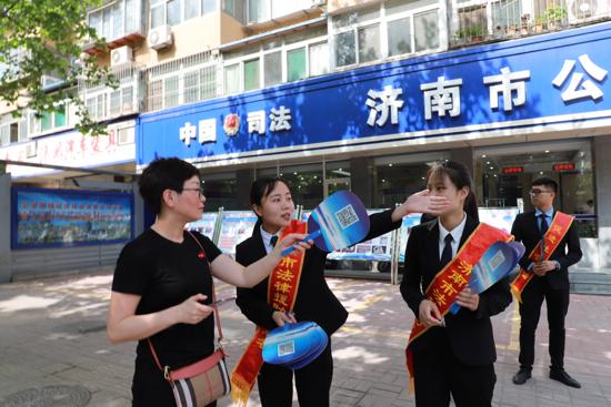 """济南市公共法律服务大厅举办开放日活动  一站式""""的办理模式获赞"""