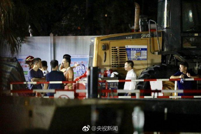 深圳暴雨引发洪水 2人遇难9人失联 目前仍在全力搜救中