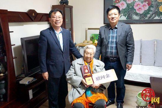 致敬英雄!济南市一院走访慰问参加抗美援朝的老同志