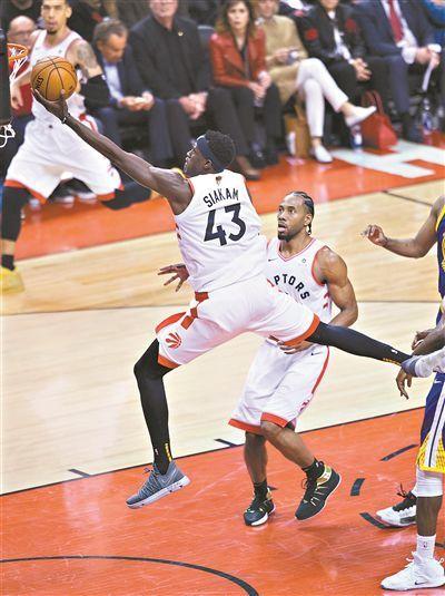 NBA总决赛首战猛龙先拔头筹主场力克勇士