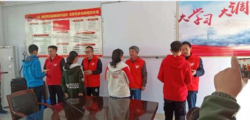 章丘义工协会再来文祖中学捐资助学结对帮扶