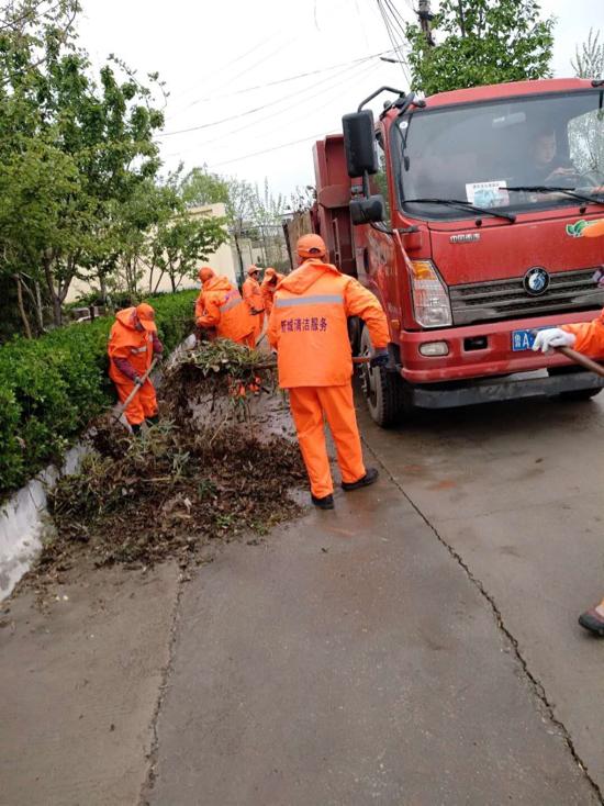 槐荫区城管局:全员上岗 合力加强雨后作业保洁净