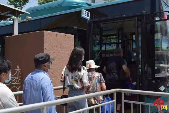坐上济南公交去赶集  慢品人间烟火气