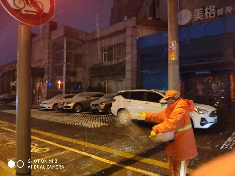 济南城管人:你一路无雪 他一夜无眠