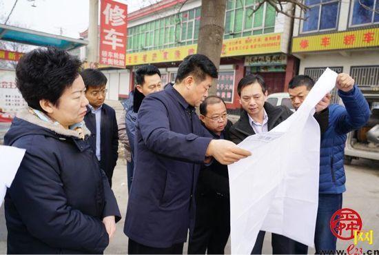 章丘区委书记马保岭调研重点道路交通工程建设
