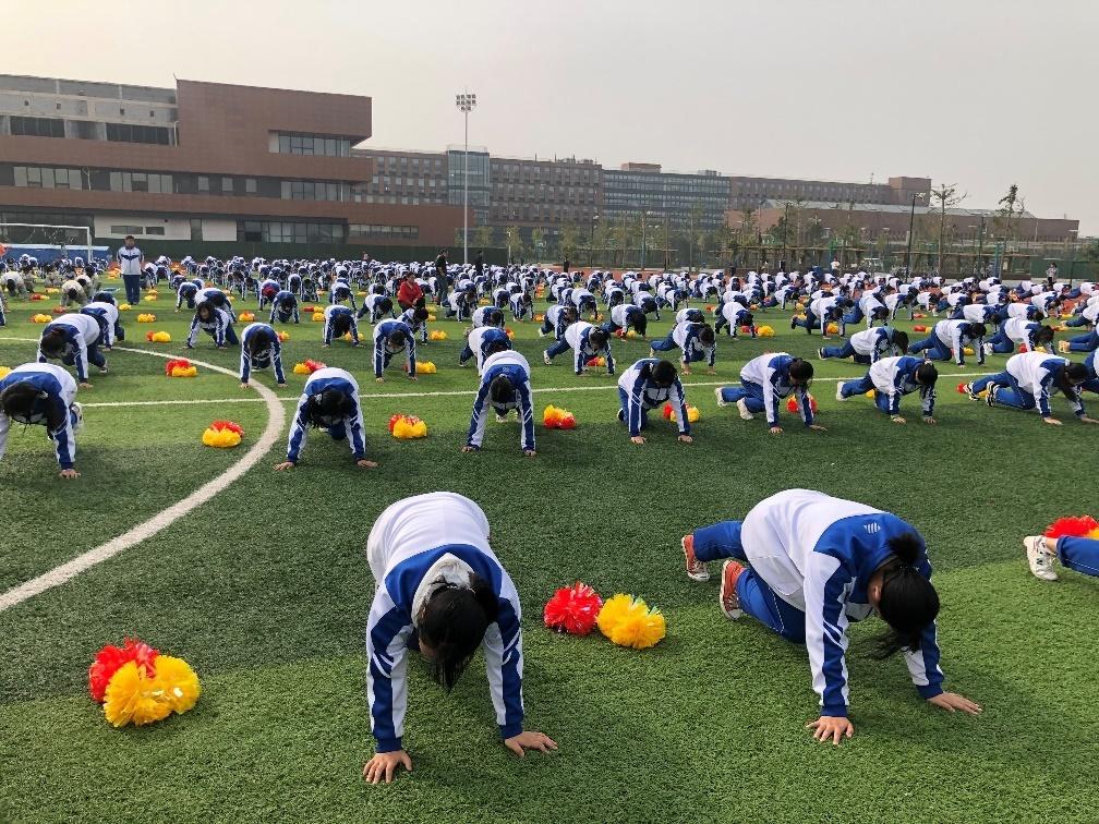 """济南理工学校开展""""阳光体育飞扬青春""""活动"""