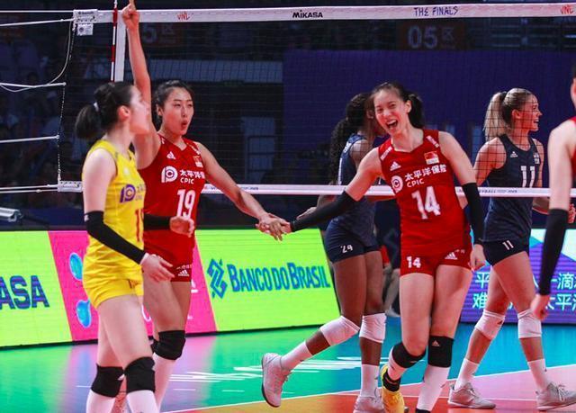 中国女排1-3美国女排无缘决赛,再碰土耳其争季军