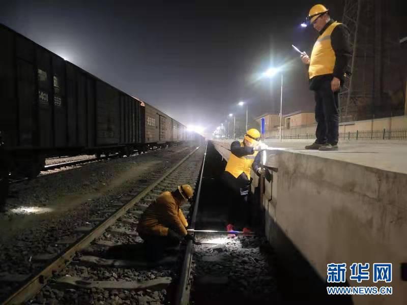 新疆伽师县6.4级地震 9趟旅客列车运行受影响