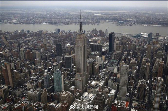 城市陷入瘫痪!纽约出现大面积停电 4万用户被迫断电交通堵塞