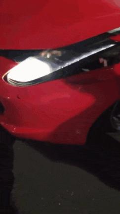 萧山街头一辆法拉利撞了 现场图刷爆朋友圈!车牌亮了!