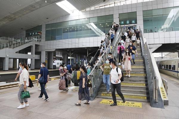 2021端午假期济南站加开京、沪、青、烟、威等方向旅客列车41对
