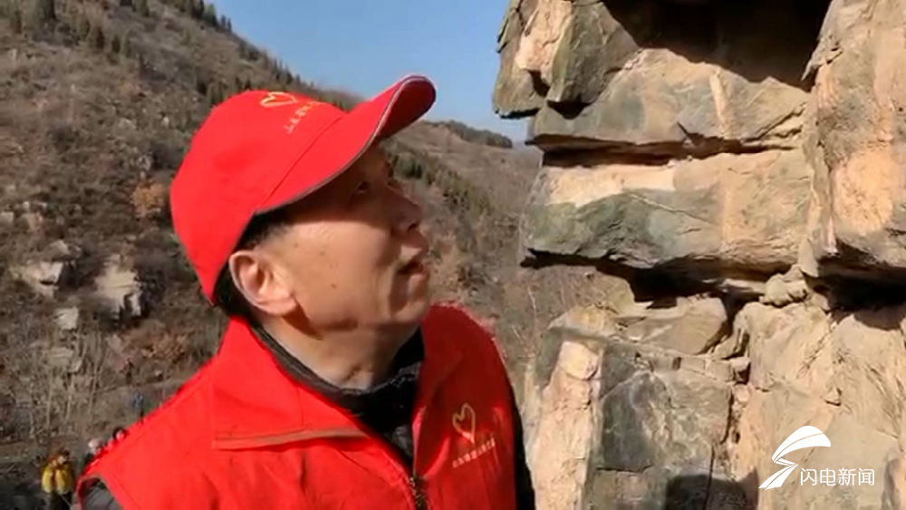 """少见!形成于25亿年前,济南深山里神似""""狮身人面像""""的奇石竟是纯天然风化而来"""
