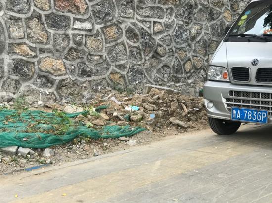 【啄木鸟在行动】槐荫区淄博路聊城路往南200米附近有渣土未覆盖