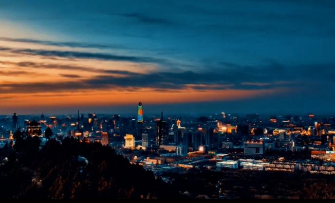 """品质市中""""越夜越美丽""""——打卡绿地中心"""