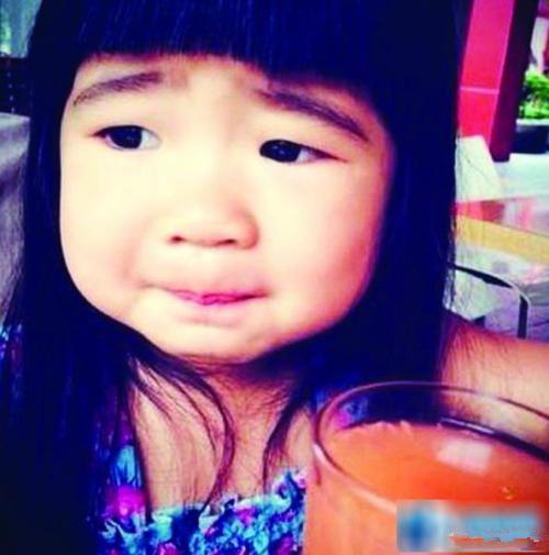 """网友们惊呆了!8岁Grace写亲笔信告白爸爸 曹格看完""""笑中带泪""""女儿长大了 这就是传说中的""""整容式长大""""?"""