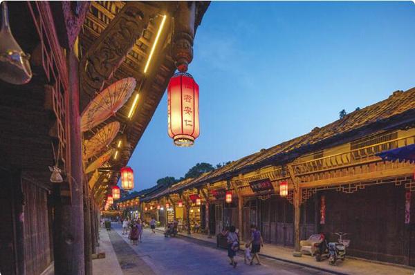 """成都安仁:""""人城境业""""和谐共生的小镇样本"""