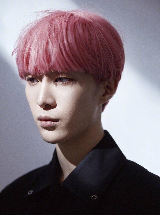 范丞丞粉色头发是怎么回事?终于真相了,原来是这样!
